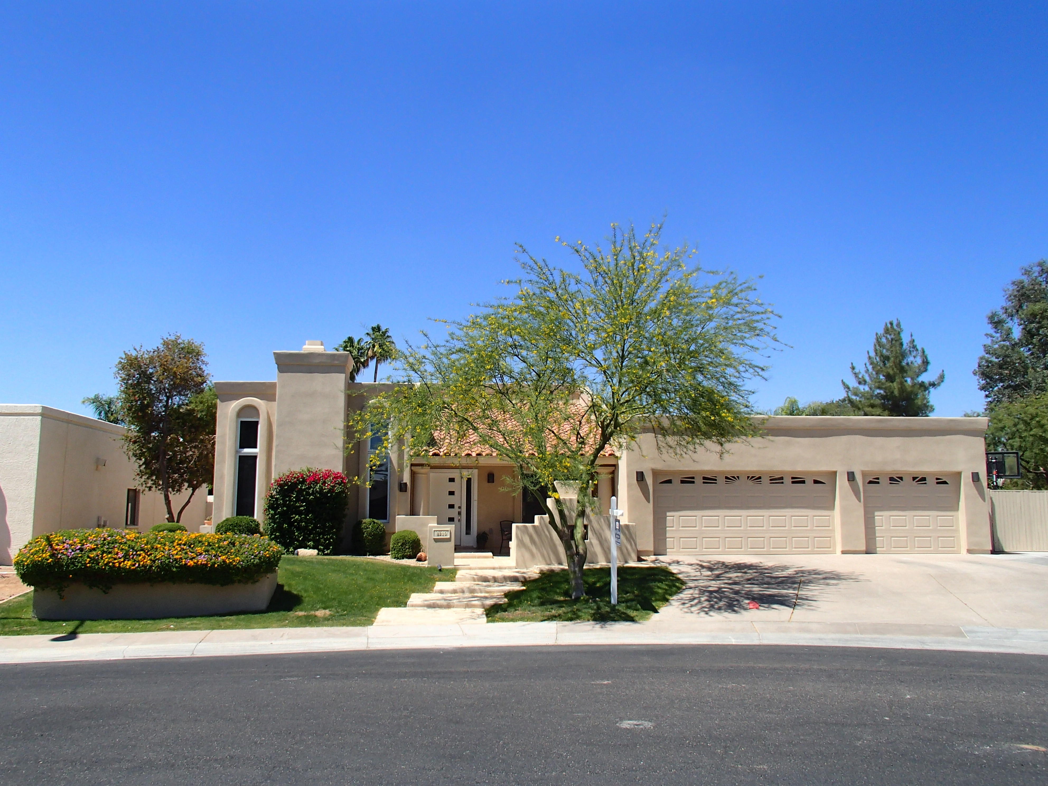 8210 E. Del Claro at the Island in McCormick Ranch